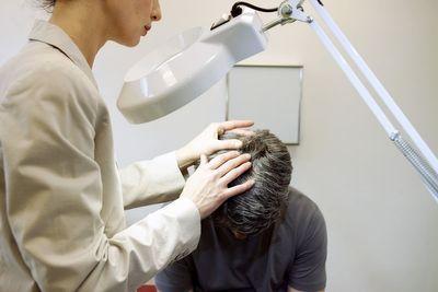 Что лечит врач трихолог?